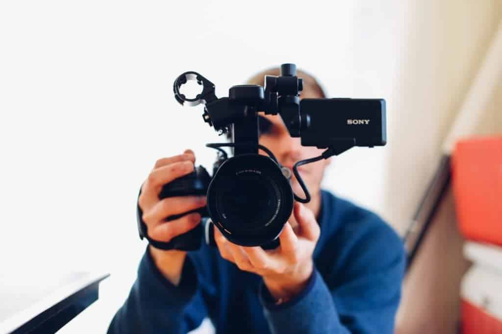 5 Ways YOU Can Use Video to Grow Your Business in 2017